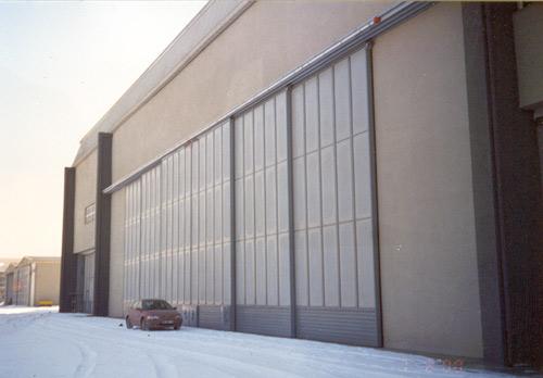 otomatik hangar kapısı